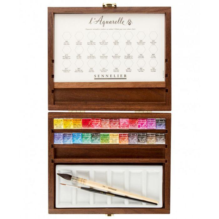 Подарочный акварельный набор Sennelier 24 цвета в кюветах половинках, две кисти и керамическая палитра, деревянный бокс