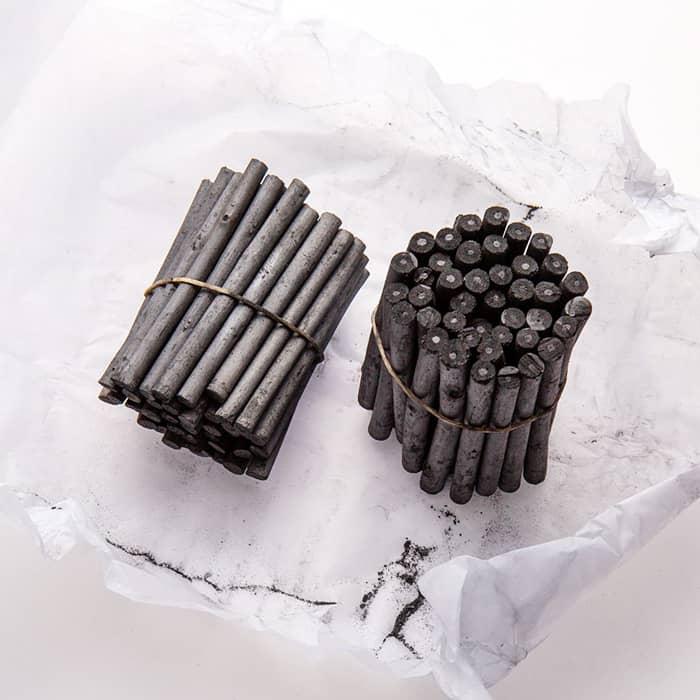 Уголь Coates древесный натуральный ивовый. Набор 100 палочек половинок разных размеров
