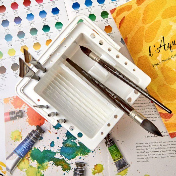 Пластиковая кистемойка с двумя емкостями и подставка для кистей, с крышкой и ручкой -130 х 130 х 189 мм